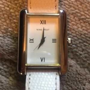 NWOT🌷NINE WEST🌷White faux reptile tank watch